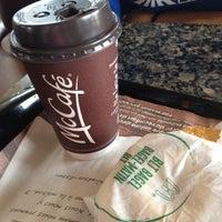 Photo prise au McDonald's par Micah R. le7/28/2012