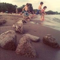 Foto diambil di Woodbine Beach oleh Yuli S. pada 7/5/2012