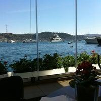 4/13/2012 tarihinde Dilara Gözde A.ziyaretçi tarafından Divan Brasserie Bebek'de çekilen fotoğraf