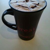 Foto tirada no(a) Coffee Break por Maria R. em 4/8/2012