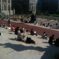 Foto scattata a Low Steps - Columbia University da Emma S. il 3/19/2012