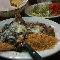 รูปภาพถ่ายที่ El Azteca โดย Tiger T. เมื่อ 6/10/2012