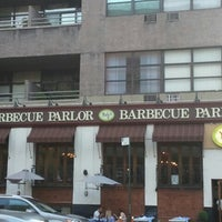 7/12/2012 tarihinde Trevis D.ziyaretçi tarafından Neely's BBQ Parlor'de çekilen fotoğraf