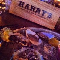 รูปภาพถ่ายที่ Harry's Oyster Bar & Seafood โดย Katie C. เมื่อ 7/4/2012