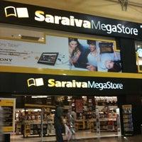 6/5/2012 tarihinde Luisa C.ziyaretçi tarafından Saraiva MegaStore'de çekilen fotoğraf