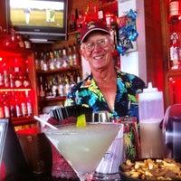 Foto tirada no(a) Rum Bar at the Speakeasy Inn por Robert B. em 7/21/2012