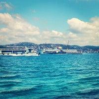 Das Foto wurde bei Taka Balık Ekmek von Yasin A. am 7/22/2012 aufgenommen