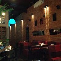 Foto tirada no(a) Oscar Café por Joao R. em 7/4/2012
