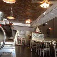 3/19/2012에 jeff b.님이 J & J Seafood Bar에서 찍은 사진