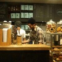 12/27/2011に7th.ListがJoe the Art of Coffeeで撮った写真