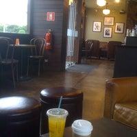 8/22/2011 tarihinde Aldo A.ziyaretçi tarafından Starbucks Coffee'de çekilen fotoğraf