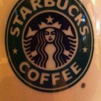 Foto scattata a Starbucks da Stellasukka il 9/22/2011