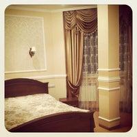 รูปภาพถ่ายที่ Prestige Business Hotel โดย Анна Е. เมื่อ 10/27/2011
