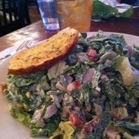 Снимок сделан в Mo's Restaurant пользователем Ann F. 12/3/2011