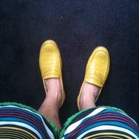 Foto scattata a John Fluevog Shoes da Tim B. il 8/2/2012