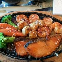 4/6/2012 tarihinde Tom H.ziyaretçi tarafından Kyoto Sushi Bar'de çekilen fotoğraf