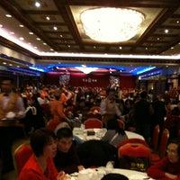 Photo prise au Jing Fong Restaurant 金豐大酒樓 par Cheryl C. le2/19/2011