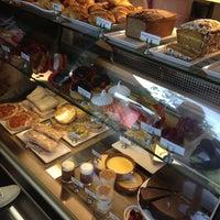Foto scattata a T|Bar da Carlos S. il 8/19/2012