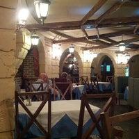 Das Foto wurde bei Castle Grill von Andrey G. am 8/21/2012 aufgenommen
