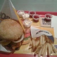 Foto diambil di Bembos oleh Joco D. pada 1/28/2012