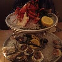 รูปภาพถ่ายที่ Mermaid Oyster Bar โดย Rebecca C. เมื่อ 7/4/2012
