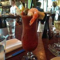 รูปภาพถ่ายที่ Harry's Oyster Bar & Seafood โดย Falon B. เมื่อ 5/13/2012