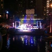 Снимок сделан в Grand Performances пользователем Justin S. 7/17/2011