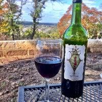 Снимок сделан в Driftwood Estate Winery пользователем AustinPixels 11/25/2011