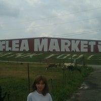 Photo prise au World's Awesome Flea Market par Jenny A. le7/20/2012