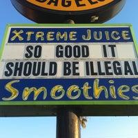 4/24/2011 tarihinde Roy L.ziyaretçi tarafından Xtreme Juice'de çekilen fotoğraf