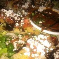 Das Foto wurde bei My Big Fat Greek Restaurant von Ira S. am 1/20/2012 aufgenommen