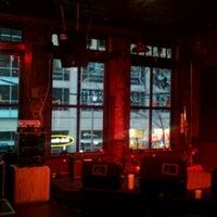 Das Foto wurde bei City Tavern von Mike D. am 2/9/2012 aufgenommen