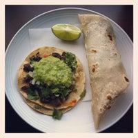 Das Foto wurde bei Tacos Chukis von Aaron P. am 3/8/2012 aufgenommen