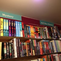Foto diambil di Brookline Booksmith oleh Cathy F. pada 7/14/2012