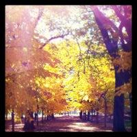Photo prise au Grant Park par Vithida S. le10/30/2011