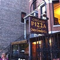 Photo prise au Chicago Pizza and Oven Grinder Co. par Greg J. le5/10/2012