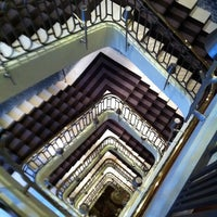 Photo prise au Hôtel Le Royal Monceau Raffles par Shannon H. le5/26/2011