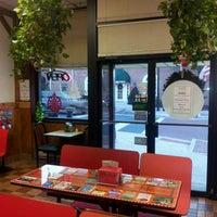 Foto tirada no(a) Buontempo Bros Pizza por Geoff F. em 12/28/2011
