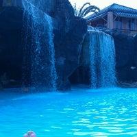 Foto scattata a Hilton Waikoloa Village da Mike P. il 2/7/2012