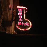 รูปภาพถ่ายที่ HauteDish โดย Tyler เมื่อ 6/16/2012