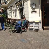 Снимок сделан в Wohnzimmer пользователем Frida V. 5/12/2012