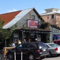 Foto tomada en The Red Bar por Megan S. el 2/5/2012