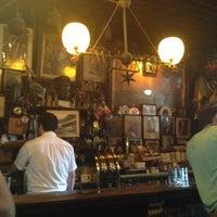 Photo prise au McSorley's Old Ale House par Meagan L. le7/15/2012