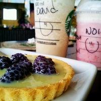 Foto tomada en Starbucks por David G. el 6/29/2012