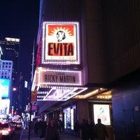 Foto tirada no(a) Marquis Theatre por Willie V. em 3/29/2012
