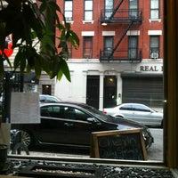 Foto tomada en Cherin Sushi por Adam R. el 9/3/2012