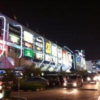 Foto diambil di Pondok Indah Mall oleh Sweztin M. pada 2/19/2012