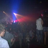 7/27/2012 tarihinde Maximilien N.ziyaretçi tarafından La Mezzanine'de çekilen fotoğraf