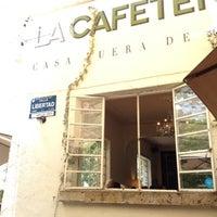 รูปภาพถ่ายที่ La Cafetería โดย Charlot เมื่อ 8/4/2012