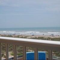 Das Foto wurde bei Hilton Garden Inn South Padre Island von Victor C. am 4/7/2012 aufgenommen